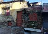 Fatih Mahallesi 408 Sokak No: 7 A  Adresinde Mevcut Metruk Yapı Girişleri Örme, Tel Örgü ve Uyarı Levhası Montaj Çalışması
