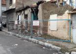 Kocakapı Mahallesi 1074 Sokak No: 8 Metruk Bina Tel Örgü Montaj Çalışması