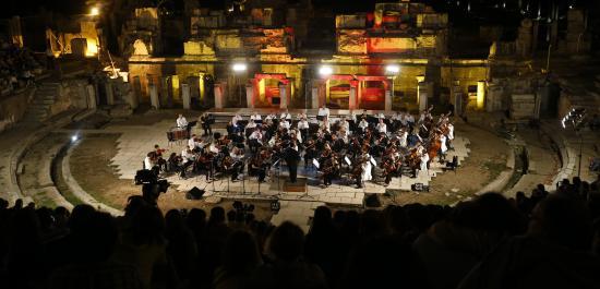 Antik Tiyatroda Klasik Müzik Ziyafeti