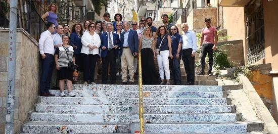 Konak'ın Merdivenleri Barışa Uzanıyor