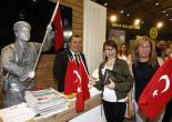 Başkan Batur, 9 Eylül Coşkusunu Fuara Taşıdı