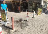 Alsancak Mahallesi Yüzbaşı Şerafettin Bey Sokak Bariyerleri Yağlı Boya Çalışması