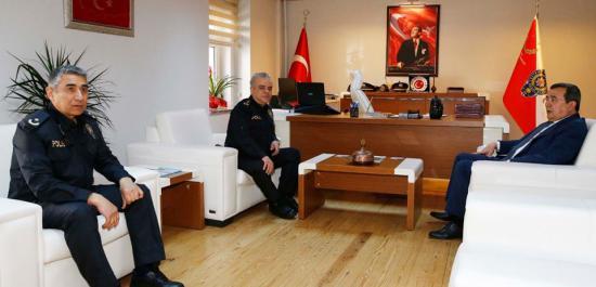 Batur; 'Emniyet Güçlerimizin Her Zaman Yanındayız'