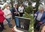 Dostları Ölümünün 11. Yılında da Kabri Başındaydı