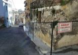 Fatih Mahallesi 408 Sokak No: 32, Metruk Bina Çevresi Tel Örgü ve Uyarı Levhası Montaj Çalışması