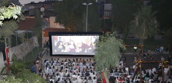 Konak'ta Açık Hava Sinema Keyfi Başladı