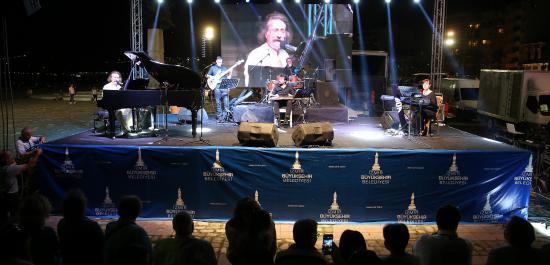 Tiyatro Festivaline Muhteşem Kapanış